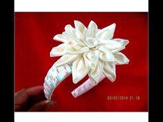 Flores en diademas con cuadrille de mini moños en cintas para el cabello