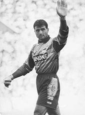 Il giovane portiere Angelo Peruzzi, neoacquisto della stagione: dapprima riserva di Stefano Tacconi, diverrà poi protagonista nei successi juventini degli anni novanta 1991-1992