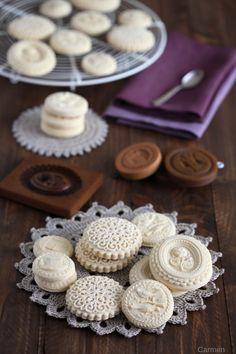 Las galletas springerle son unas galletas de origen alemán con un dibujo en relieve muy definido y un sabor muy delicado. Anímate a prepararlas siguiendo la receta.