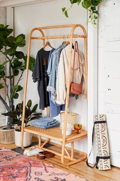 Carina Clothing Rack - simple bohemian decor Source by melissaaasaurus - Rattan Furniture, Bedroom Furniture, Bedroom Decor, Apartment Furniture, Barbie Furniture, Furniture Legs, Garden Furniture, Furniture Design, Bedroom Ideas