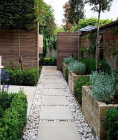 Front Yard Landscaping Ideas - Below are our much-loved 34+ front yard layouts; Tipping Rocks and Pavers. Horizontal Secure fencing. Metallic Residence Numbers. Grass Insets. Cinder Blocks Yard. Large Planters. Rock and Succulents. Wall surface Garden. #frontyardlandscapingideas #frontyardlandscape #frontbedlandscapedesign