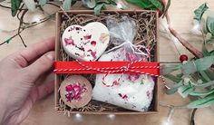 Make handmade gifts using these recipes for rose & geranium fizzy bath bombs, creamy bath melts, and mineral-rich scented bath salts. Cheap Candles, Soy Candles, Homemade Gifts, Diy Gifts, Fizzy Bath Bombs, Bath Melts, Aromatherapy, Essential Oils, Crafts
