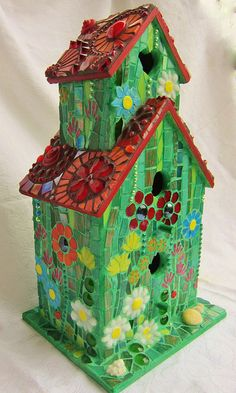 Bird House Kits Make Great Bird Houses Mosaic Crafts, Mosaic Projects, Mosaic Art, Mosaic Glass, Stained Glass, Glass Tiles, Mosaic Birds, Mosaic Flowers, Birdhouse Designs