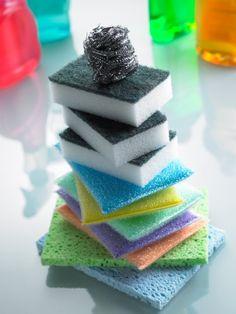 Como limpar esponjas e panos de prato