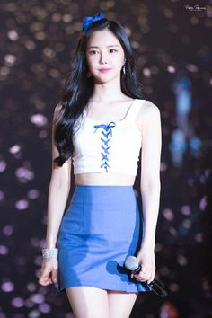 Reject the Binary (Posts tagged naeun) Stage Outfits, Kpop Outfits, Korean Outfits, Kpop Fashion, Asian Fashion, Girl Fashion, Fashion Outfits, Cute Asian Girls, Beautiful Asian Girls