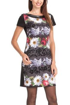 Desigual women's Iesaier Short dress. Short-sleeved dress with a round neck featuring flowers, because winter is happy too. Right