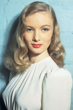 The Clothes Horse: Style Icon: Veronica Lake The Veronicas, Old Hollywood Glamour, Golden Age Of Hollywood, Veronica Lake Hair, Divas, Estilo Pin Up, Actrices Hollywood, Classic Actresses, Vintage Hairstyles