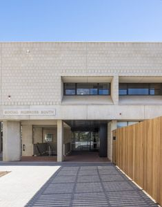 Flinders University - Social Sciences South - Studio Nine Architects Social Science, Architects, Garage Doors, University, Studio, Outdoor Decor, Home Decor, Decoration Home, Room Decor