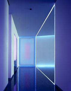 Plain Dress, 2005 505 Fifth Ave Manhattan, New York, USA Latitude: 40.753571 Longitude: -73.980345 Architectural Light Private