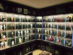 Wow! Star Wars Sideshow and Hot Toys. Marvel Hot Toys.