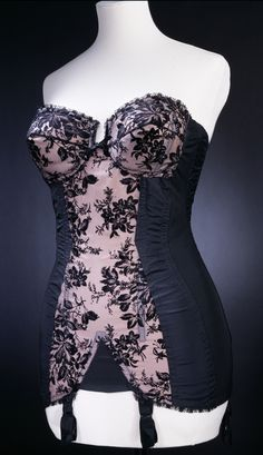 1950s corset by Corsetiere Edith  Boutiques, ready-to-wear & accessories - Victoria and Albert Museum