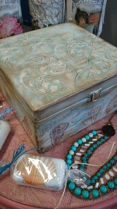Vintage jewelry box www.decuberry.co.uk
