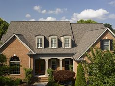 4 Noble Cool Tips: Modern Roofing Flat flat tin roofing. Shingle Colors, Wood Shingles, Roofing Shingles, Small Cottages, Country Cottages, Modern Roofing, Small Porches, Residential Roofing, Roof Colors