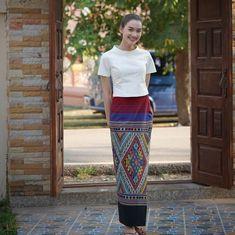 Myanmar Traditional Dress, Thai Traditional Dress, Traditional Dresses Designs, Traditional Outfits, Myanmar Dress Design, Thai Fashion, Myanmar Women, Thai Dress, Thai Style