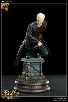 Celebrating Joss Whedons long-running television series Buffy the Vampire Slayer comes the Spike Statue. This detailed sculpture presents William the Bloody in 1:5 scale, ready to take on the slayer.