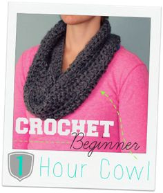 This simple cowl can be made in 1 HOUR!!! Makes an awesome inexpensive gift!