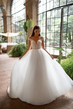 At Viero Bridal shops get couture wedding dresses, gowns and best bridal boutique at affordable price in Chicago, Los Angeles, New York and Las Vegas. Princess Wedding Dresses, Best Wedding Dresses, Bridal Dresses, Wedding Gowns, Fantasy Wedding Dresses, Ball Dresses, Ball Gowns, Simple Gowns, Minimalist Wedding Dresses