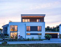 Ecological living at the highest level: modern from kitzlingerhaus gmbh & co. kg, modern New House Plans, Small House Plans, Different Architectural Styles, Modern Office Design, Large Homes, Shed Plans, Types Of Houses, Pent House, Interior Exterior