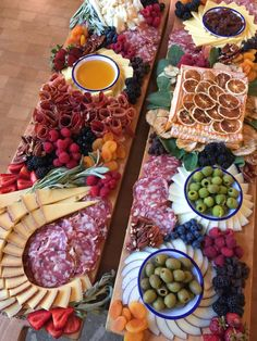 Charcuterie Recipes, Charcuterie Platter, Charcuterie And Cheese Board, Antipasto Platter, Cheese Boards, Charcuterie Lunch, Charcuterie Wedding, Paella, Tapas