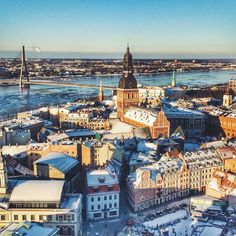 The sun is shining over snowy Riga!
