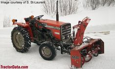 Massey Ferguson with snowblower Small Tractors, Lawn Tractors, Landscaping Equipment, Tractor Photos, Snow Machine, Agriculture, Farming, Lawn Mower, Vehicles