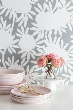 Caitlin Wilson | Grey Silhouette Wallpaper