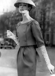Christian Dior Vintage, Plaits, Suits For Women, Blue Tops, Gorgeous Women, Peplum Dress, Look, Vintage Fashion, Costumes
