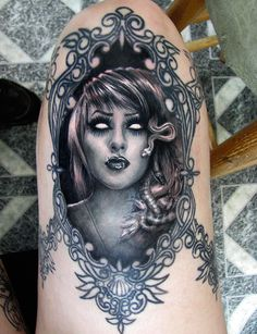 great idea for my medusa! love the black darkness in the background!!!