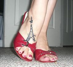 Eiffel Tower Tattoo - this reminds of how much i love Paris <3