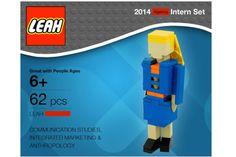 Ela se transformou em 1 boneco de Lego para conseguir uma vaga de emprego ;-) - Blue Bus