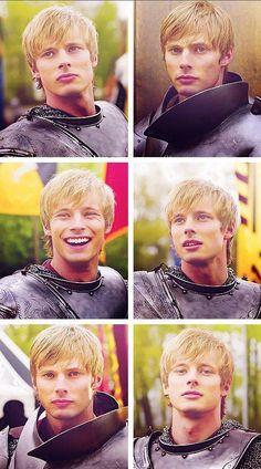 Merlin // Bradley James as King Arthur. Merlin Series, Merlin Cast, Bradley James, Merlin And Arthur, King Arthur, Prince Arthur, Merlin Fandom, Merlin Colin Morgan, James Arthur