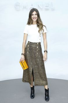 Elisa Sednaoui Photos Photos: Chanel: Photocall - Paris Fashion Week - Haute Couture Fall Winter in 2020 Skirt Outfits, Chic Outfits, Fall Outfits, Fashion Outfits, Maxi Dresses, Office Fashion, Work Fashion, Fashion Models, Fashion Trends