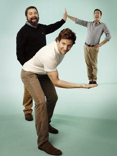 Zach Galifianakis, Bradley Cooper and Ed Helms - love these guys Zach Galifianakis, Perspective Photography, Perspective Photos, Poses Photo, Forced Perspective, Bradley Cooper, Famous Faces, Comedians, Make Me Smile