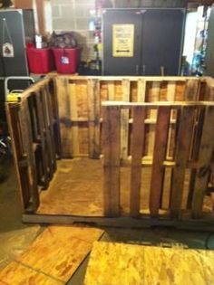 Large Dog House from Pallets and Recycled Materials - The husband and I could make this for our beagles! They need a new and fancy abode!