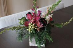 이미지 출처 http://www.redpoppyfloral.com/wp-content/uploads/2013/12/protea-and-orchid-winter-arrangement.jpg