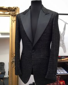 Beautiful people, fashion, places and things. Indian Men Fashion, Mens Fashion Suits, Mens Suits, Tom Ford Suit, Best Suits For Men, Classy Suits, Designer Suits For Men, Stylish Mens Outfits, Applique Wedding Dress