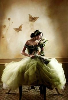 Beautiful shades of green ~ VoyageVisuelle ✿⊱╮ by vicsax Green Wedding Dresses, Wedding Colors, Bridal Dresses, Wedding Styles, Wedding Gowns, Wedding Photos, Princess Ball Gowns, Mannequins, Beautiful Gowns