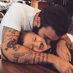 Kendecha ✨ baby family, cute family, family life, family goals, fathers l. Cute Family, Baby Family, Family Goals, Cute Kids, Cute Babies, Cute Children, Men And Babies, Dad Baby, Foto Baby