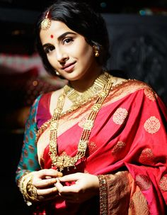Vidya Balan photoshots in Saree for Filmfare -July 2013
