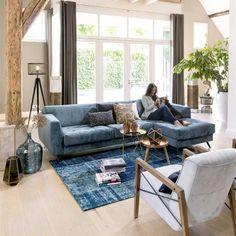 HetH - canapé Thomson - Ce canapé 2.5 places méridienne bleu pétrole est totalement personnalisable. L'effet capiton sur l'assise donne une impression de confort et un clin d'œil rétro