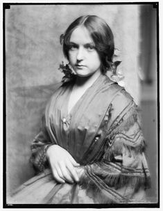 [Josephine Brown, a young woman brought to the photographer's studio in New York City by Stanford White, about 1900]