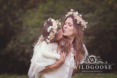 #PoppyField #SummerPhotoShoot #SummerPhotography #NaturalLightPhotography #Poppys #Flowers