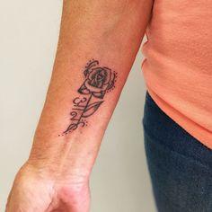 tattooartist:@r.lTattoo ( Rose Tattoo )