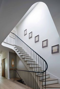 A contemporary townhouse designed by Etelamaki Architecture is located in Prospect Heights, a neighborhood in the New York City borough of Brooklyn. Stair Handrail, Staircase Railings, Staircase Design, Stairways, Banisters, Entryway Stairs, House Staircase, Craftsman Staircase, New York Townhouse