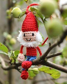 Hilde haakt: Kaboutertje haken by odessa Crochet Amigurumi, Amigurumi Patterns, Crochet Yarn, Crochet Toys, Crochet Patterns, Crochet Christmas Decorations, Crochet Ornaments, Felt Christmas Ornaments, Christmas Crafts