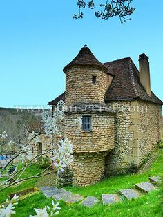Location d'une maison de vacances avec piscine chauffée en campagne dans le Périgord Noir avec #Coins Secrets. Holiday letting in Dordogne, France