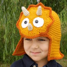 Items similar to Worsted Weight Triceratops Hat - Crochet Pattern - Permission to sell finished items on Etsy Crochet For Kids, Crochet Baby, Free Crochet, Knit Crochet, Crochet Ideas To Sell, Crochet Santa, Crochet Dinosaur Hat, Sombrero A Crochet, Crochet Character Hats
