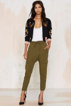 Know that you found the comfiest cargos with the Rest Easy Pants in olive green.
