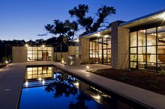 Sustainable House with Large Expanses Of Glass - Flyway View House by Jon Anderson
