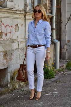Balkan style by M.: That's just me Stylish Summer Outfits, Casual Work Outfits, Classy Outfits, Chic Outfits, Fashion Outfits, White Pants Outfit, Denim Outfit, Denim Shirt, Denim Fashion
